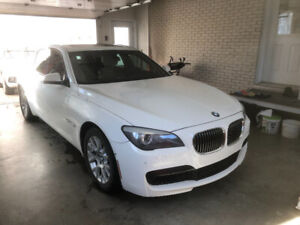 BMW 750i xdrive MPerformance