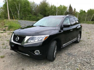 PRICED TO SELL:  2013 Nissan Pathfinder SL