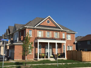 4bds Corner Detached House for Lesse in Milton