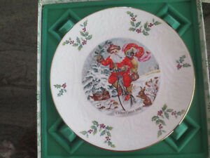 Royal Doulton Christmas plate 1982