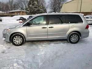 Volkswagen Routan Trendline-3.6L-JAMAIS ACCIDENTER-7 PASSAGERS 2