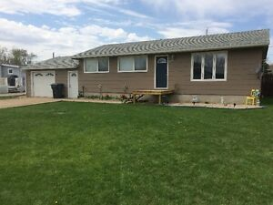 MOVE IN READY HOUSE IN CARNDUFF SK. FOR SALE