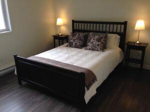 Ikea Hemnes Lit avec Chevet / Bed with nightstand