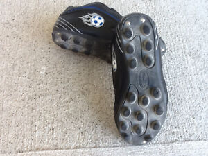 Soccer Cleats/Shoes - Child Size 13 Kitchener / Waterloo Kitchener Area image 2