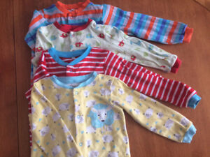 Lot of 4 Unisex Sleepers (18-24 month)