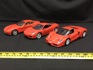 Lot d'autos (Ferrari), en métal, 1/18, Burago, Hot Wheels