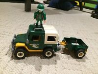 Playmobil tracker with Jeep