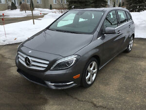 2014 Mercedes-Benz Premium package Bi-Xenon pack. Driving ass.