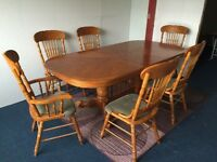 6 seater extendable beautiful solid wood dining table