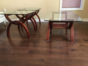 Coffee table and end tables London Ontario image 1