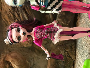 Monster High Dawn of the Dance Dolls Cambridge Kitchener Area image 3