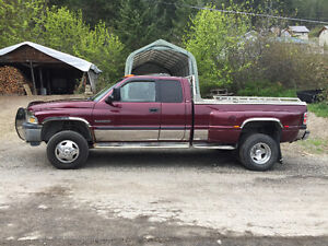 2000 Dodge Power Ram 3500 SLT Larime Pickup Truck