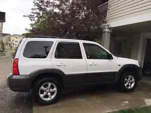 2005 Mazda Tribute V6 very cleanwell- maintained