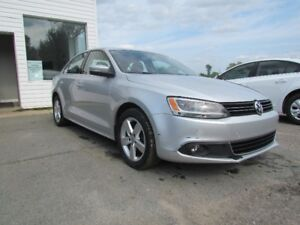 2011 Volkswagen Jetta TDI! 1 YR WARRANTY INC! HEATED SEATS! AC!