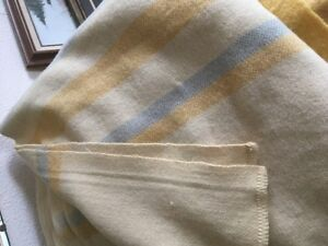 wool blanket they call this one organic  blanket queen size euc