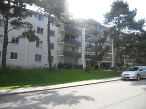 LARGE UNIT in the HIGH PARK AREA