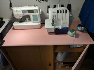 Sewing machine fold out table