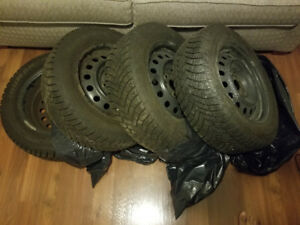 Set of 4 Used Winter Tires Size 195/65R/15 On Rims