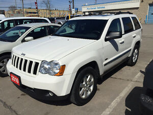 2010 Jeep Grand Cherokee Laredo SUV, Crossover