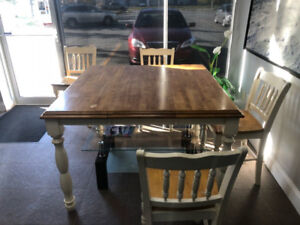 Solid Wood Table + 6 chair set! Beautiful Piece