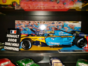 FORMULA 1 Hot wheels Renault 2006 1/16