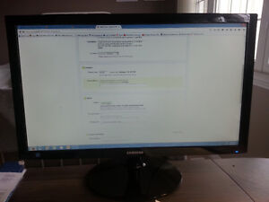Large Samsung LCD Monitor in Perfect Condition