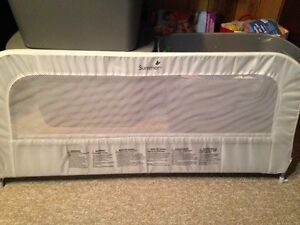 Bed Rail  Summer Infant Brand - Used twice