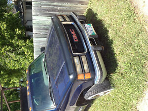 95 turbo diesel 6.5 Sierra for parts.