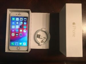 Gold iPhone 6  64GB mint condition , Box new headphones