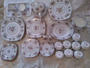 Royal Albert Petit Point China excellent condition