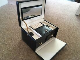 Dulwich leather jewellery case never used