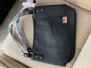 Black purse, brand new $35