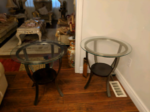 Coffee and side tables set