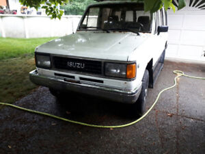 1991 Isuzu Trooper SUV, Crossover