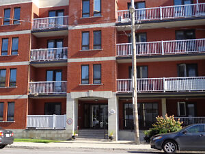 Wonderful Condo in NDG 2 beds 2 bathrooms