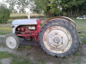 Ford Tractor | Find Heavy Equipment Near Me in Ottawa