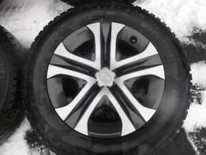 TOYOTA RAV4 WINTER TIRES + RIMES  225/65/17  LIKE NEW