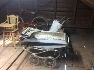 Baby carriage-Antique