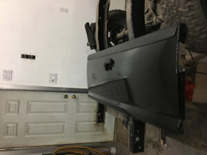 1999-2006 Chevy or GMC tail gate