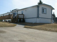 Very Nice 2004 Modular Home with 3bed/2baths and 1216sqft