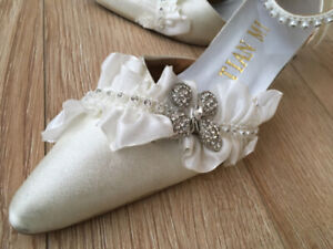 Silky White Shoes (Size 6.5-7)