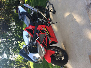 Honda RC51 for sale