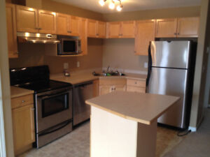 **REDUCED PRICE**9525-162 AVE**GREAT LOCATION!!**MOVE IN NOV- 01