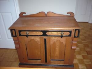 Meuble antique chiffonier