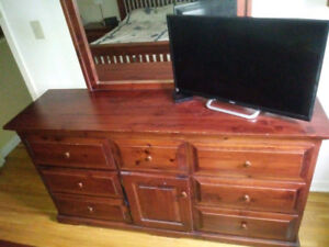 Solid wood 5-piece bedroom set   $350