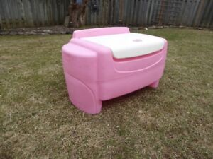 """1 – LITTLE TYKES LARGE LITTLE GIRLS'  """"SORT & STORE TOY CHEST."""