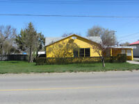 Great 2 bedroom bungalow in Raymond Ab.