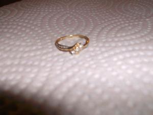 Bague en or 10k avec mini diamants