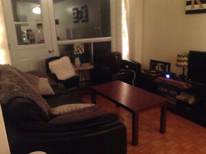 1 or 2 bedrooms available in 2 bedroom May-Sept in Sandy Hill