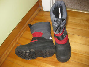 Boys size 12 winter boots Cornwall Ontario image 1